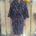 Kimono Blomster mørkblå