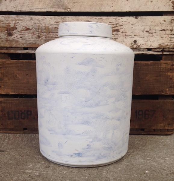Ming Vase - Beau Marché