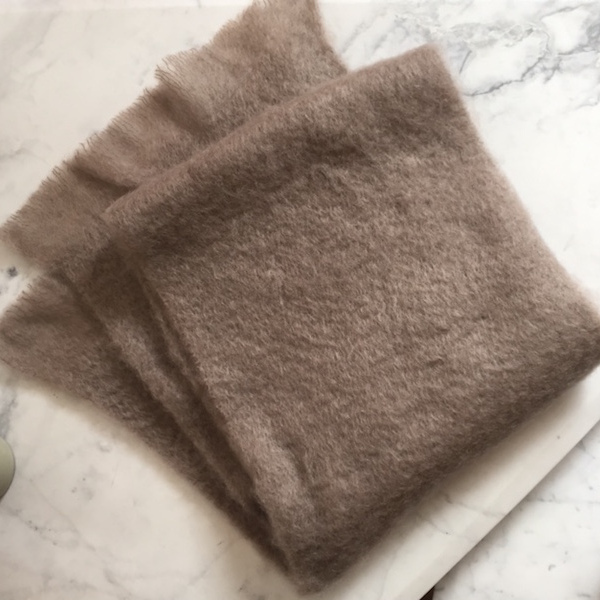 taupe-mohair-sjal